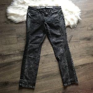 DKNY ave Ultra Skinny Mineral wash black jean B18